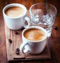 Acqua va Bevuta Prima o Dopo il Caffè